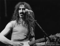 Frank Zappa on stage at Felt Forum, NYC. October 31, 1975. © Bob Gruen / www.bobgruen.com