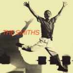 Americký spisovatel Truman Capote na obálce singlu The Smiths: The Boy With The Thorn In His Side (1985, Rough Trade)