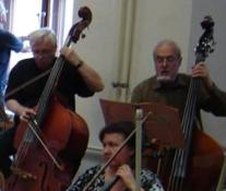 Pavel Linhart (vpravo) na zkoušce Symfonického orchestru Uměleckého sdružení ČVUT