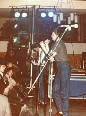 Joy Division na jejich posledním koncertu v High Hall Birmingham University, 2. května 1980 (Pics by Dave Haslam)