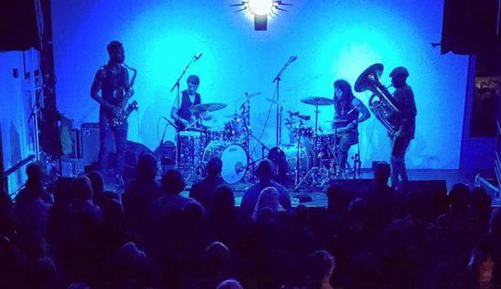 Sons Of Kemet během klubové koncertní šňůry v roce 2019